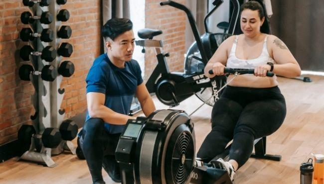 7 Ways to Burn More Calories on the Rowing Machine